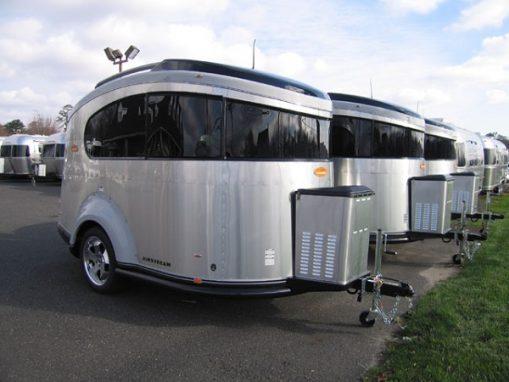 Rulota Airstream Basecamp