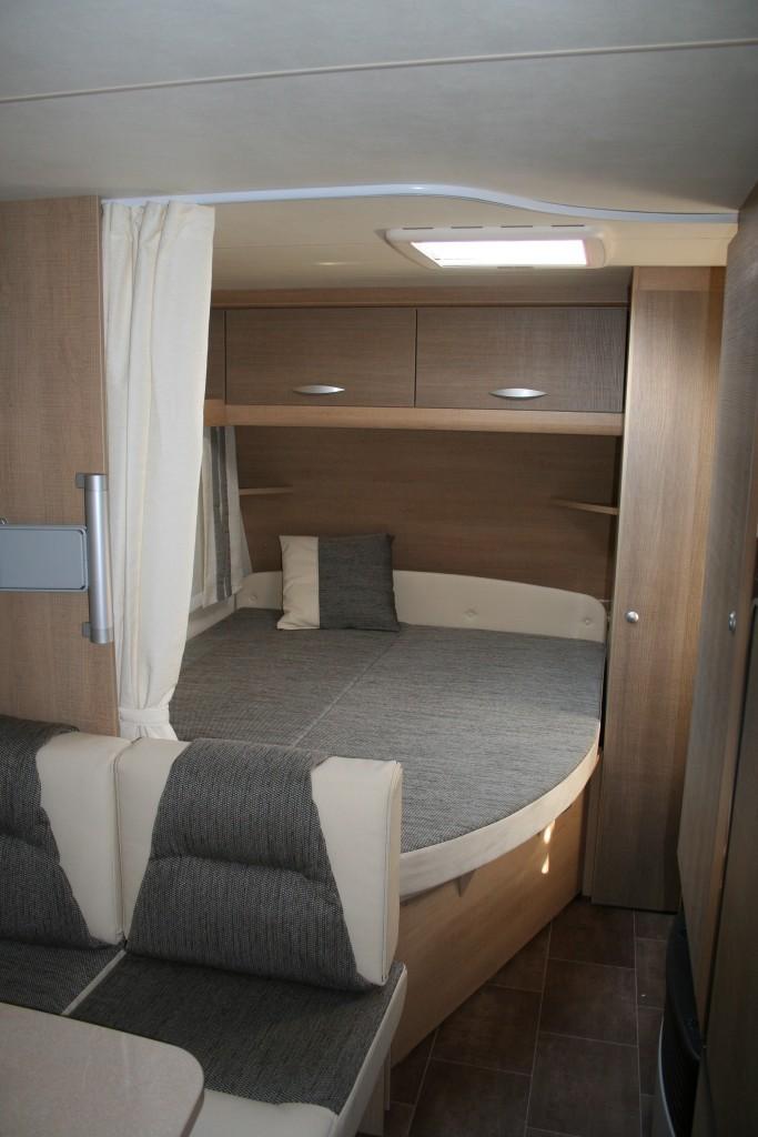 dormitor-premio-burstner